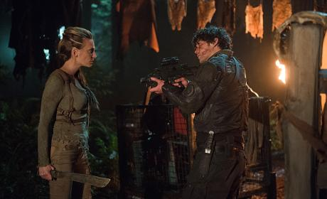 The 100 Photo Preview: Raven's Dark Side and Niylah's Return!
