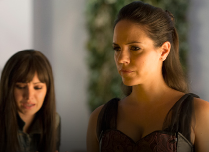 Watch Lost Girl Season 4 Episode 4 Online