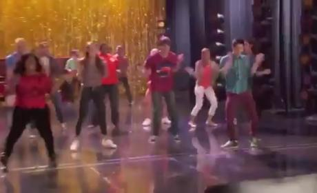 Glee Sneak Peeks: Double Returns, Cartwheels
