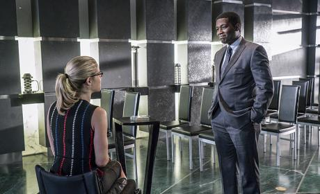 Felicity at Work - Arrow Season 4 Episode 12