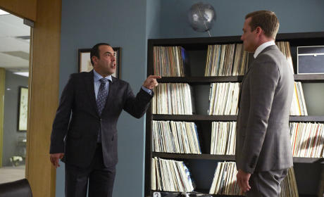 Suits: Watch Season 4 Episode 13 Online