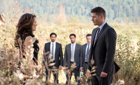 Supernatural Photo Preview: Is Sam Going Back to the Cage?