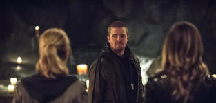 "Arrow Preview: 8 Things We Know About ""This Is Your Sword"""