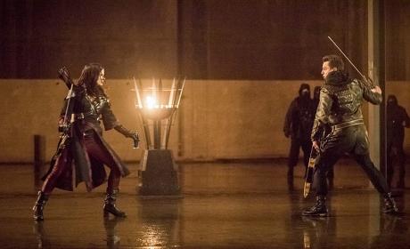 Battle Begins - Arrow Season 4 Episode 13
