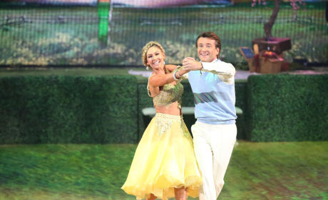 Robert and Kym: Foxtrot - Dancing With the Stars Season 20 Episode 2