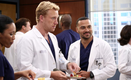 Time to Celebrate - Grey's Anatomy Season 12 Episode 2