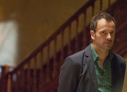 Watch Elementary Season 1 Episode 8 Online