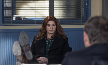 The Mysteries of Laura Season 1 Episode 20 Review: The Mystery of the Crooked Clubber
