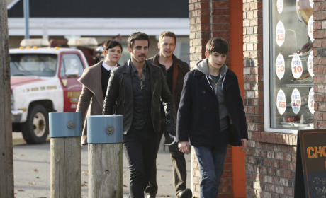 Having Their Hands Full - Once Upon a Time Season 4 Episode 21