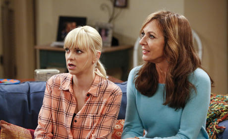 CBS Renews Mom, Mike & Molly for 2015-16 Season