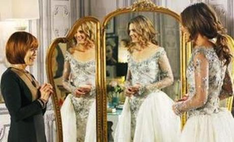 What did you think of Kate Beckett's wedding dress?