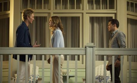 Talking Emily Down - Revenge Season 4 Episode 5