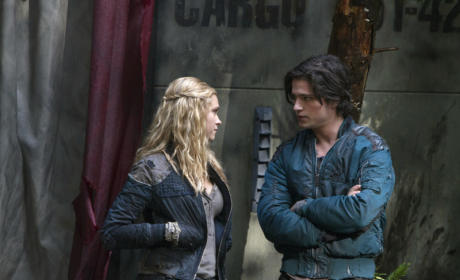 The 100 Review: Acts of Aggression