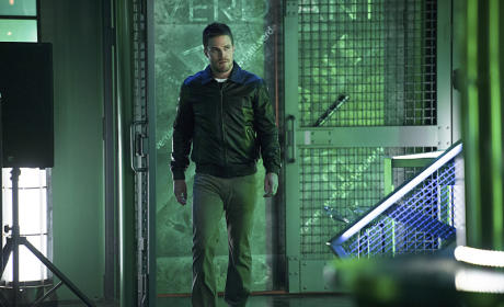 Oliver in Verdant - Arrow Season 3 Episode 16
