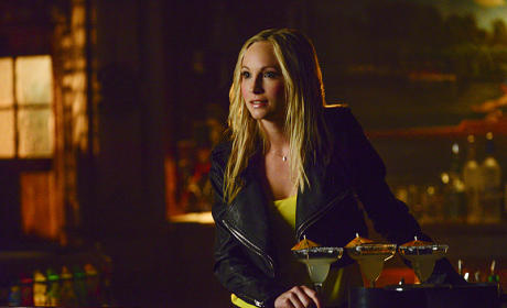 Guarding the Elixir of the Gods - The Vampire Diaries Season 6 Episode 16