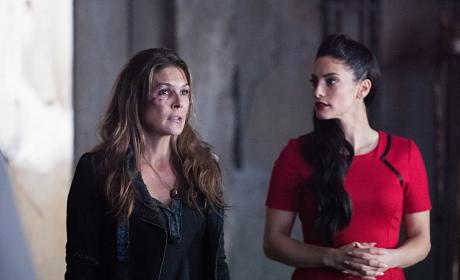 Abby and ALIE - The 100 Season 3 Episode 13