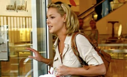 Content Katherine Heigl Strolls, Shops