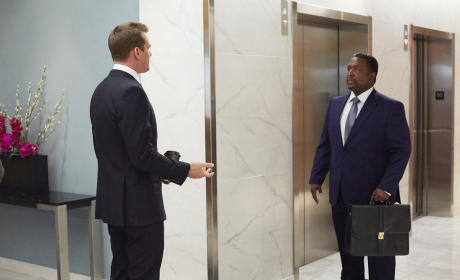 Suits Photo Preview: Pearson vs. Zane