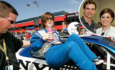 Kelly Clarkson Takes a Break, NASCAR Style