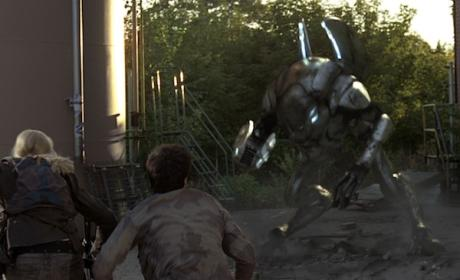Falling Skies Sneak Peek: When an Alien Attacks!