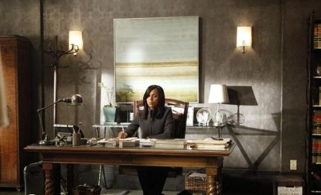 Olivia Looks Worried - Scandal Season 4 Episode 3
