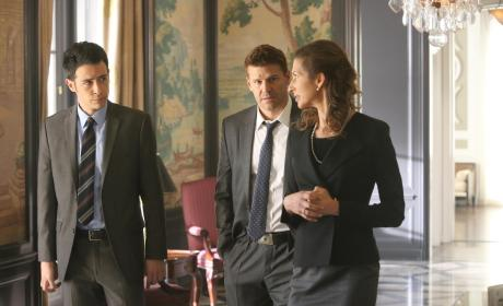 Booth and Aubrey at the High School - Bones Season 10 Episode 17