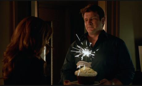 Congratulatory Cupcake - Castle Season 8 Episode 1