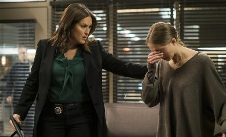 Watch Law & Order: SVU Online: Season 17 Episode 19