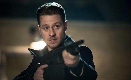 Hunter - Gotham Season 2 Episode 19