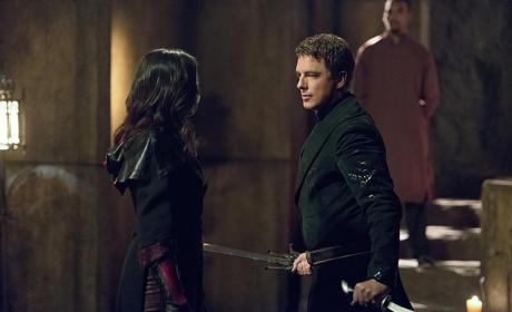 Amongst Themselves - Arrow Season 4 Episode 3