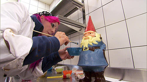 Vyxsin Works on Her Gnome