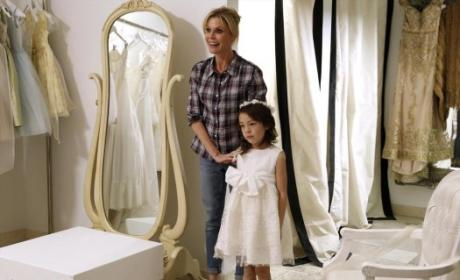 Modern Family: Watch Season 5 Episode 17 Online
