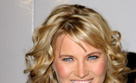 Lucy Lawless to Recur on No Ordinary Family