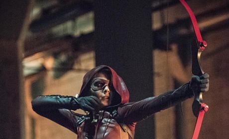 Speedy and Her Bow - Arrow Season 4 Episode 1