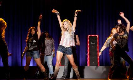 Glee Casting Calls: Mean Girls, Linebackers, Math Teachers!