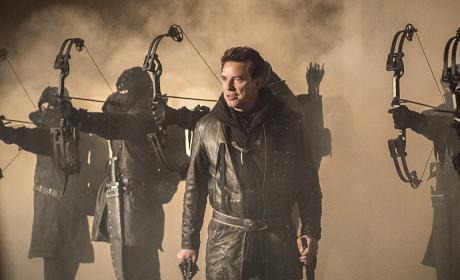 "Arrow Photos from ""Sins of the Father"""