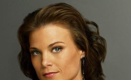Gina Tognoni: Engaged!