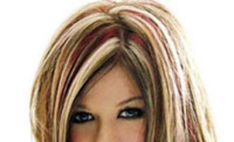Kelly Clarkson, Punk Bassist Hit it Off