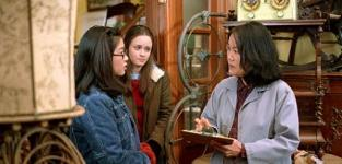 7 Shocking Facts About Gilmore Girls: From Baseball to Best Friends