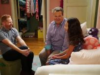 Modern Family Season 8 Episode 2