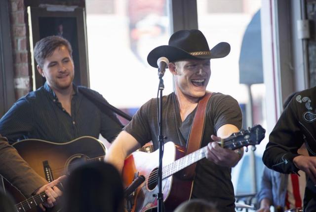 Watch Nashville Season 1 Episode 18 Online - TV Fanatic
