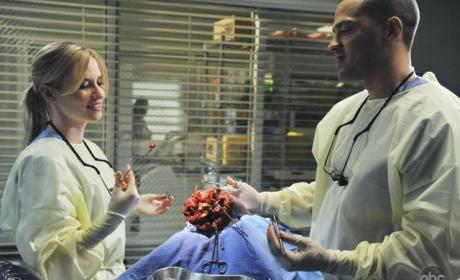 Grey's Anatomy First Look: Lexie Goes Blonde!