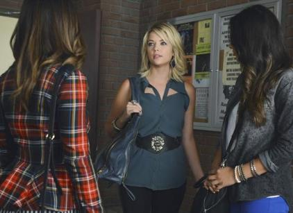 Watch Pretty Little Liars Season 3 Episode 19 Online