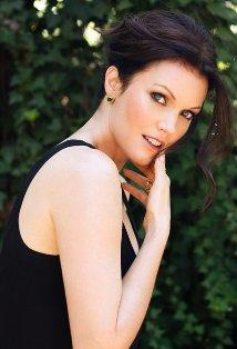 Bellamy Young (Mellie Grant)