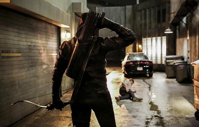 Arrow Season 5 Premiere Photos: So Many Thugs, So Few Heroes!