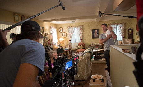 Steve and a Dog - Hawaii Five-0 Season 5 Episode 17