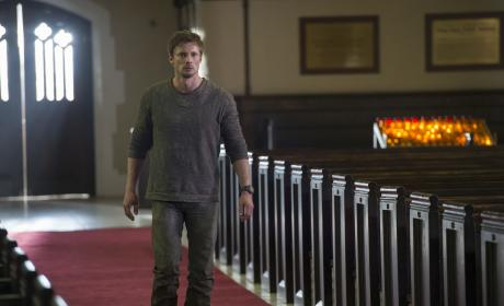 Damien Season 1 Episode 1 Review: The Beast Rises