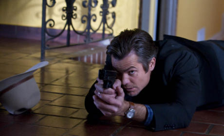 Raylan On The Floor With His Gun