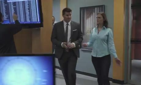 Bones 'The Gunk in the Garage' Clip - A Desk Job?