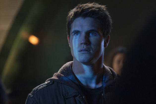 Robbie Amell on The Tomorrow People